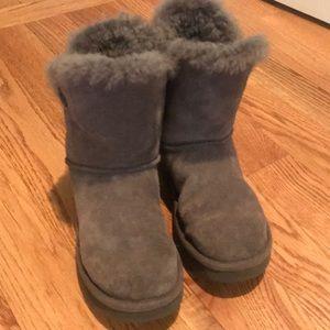 Girl ugg gray boots